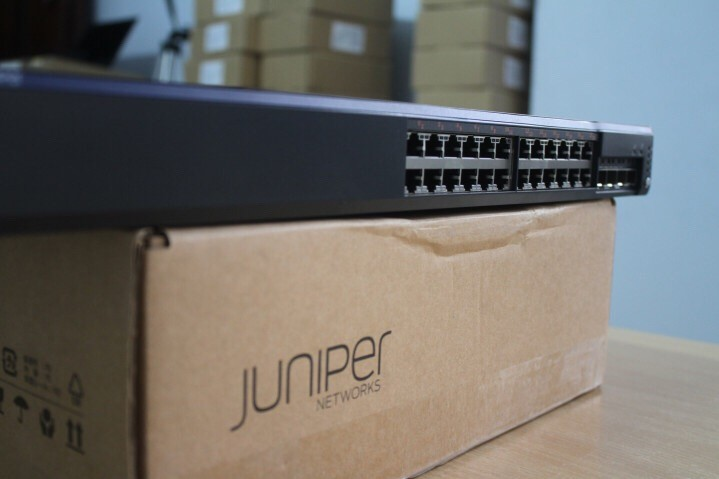 Switch Juniper EX4200