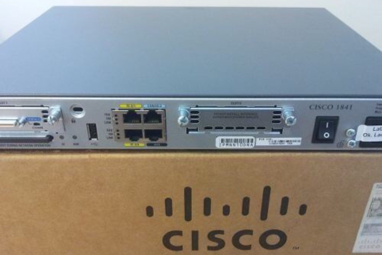 router cisco 1841