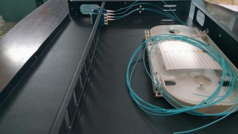 Hộp phân phối ODF quang 4FO, 8FO, 24FO, 48FO cho doanh nghiệp bạn