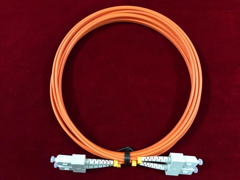 dây nhảy quang multimode om2