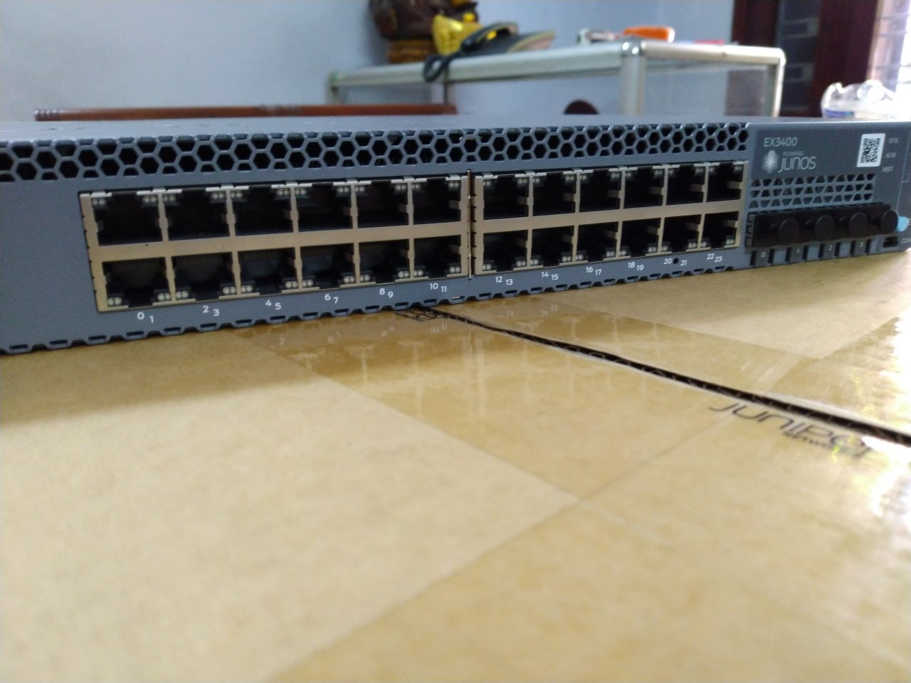 Switch Juniper EX3400